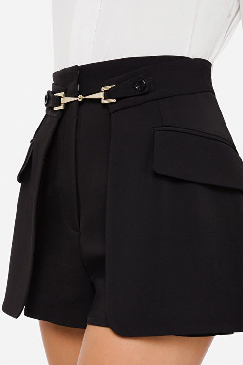 Immagine di Shorts a vita alta con maxi tasche Elisabetta Franchi